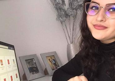 Nezůstat offline. ROMEA během pandemie rozdala romským studentům přes 80 notebooků k distanční výuce